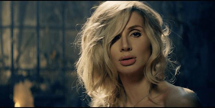Певица LOBODA показала лицо без макияжа и фигуру в купальнике