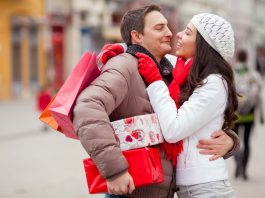 Что подарить любимой девушке на День святого Валентина