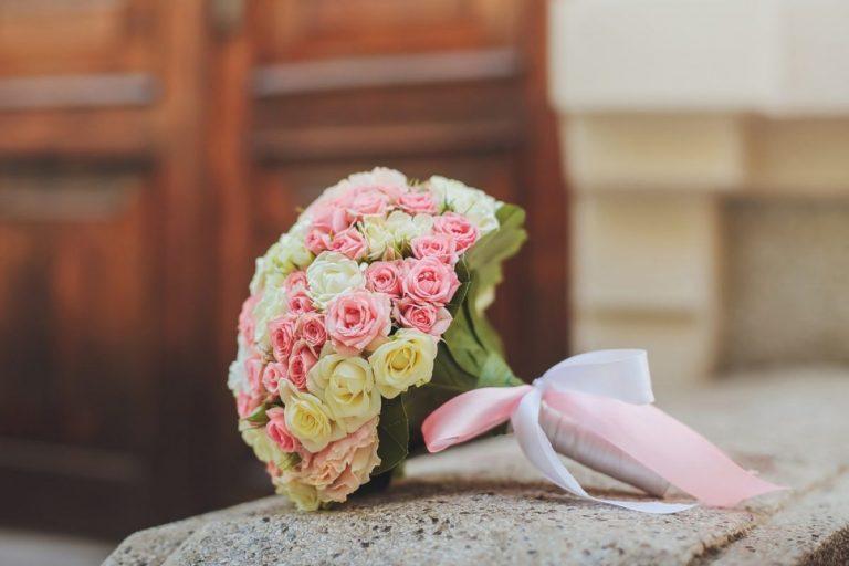 Свадебные аксессуары: весенний букет невесты