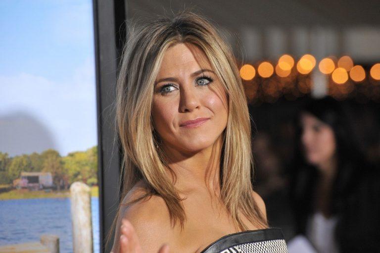 Как знаменитые женщины шоу-бизнеса ухаживают за волосами