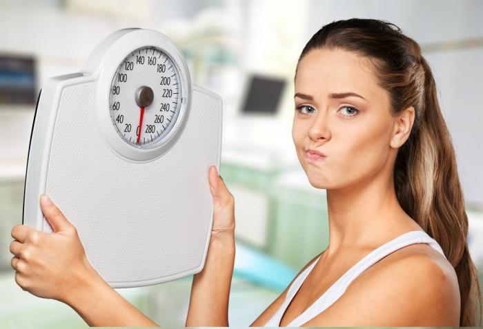 Девушка с весами