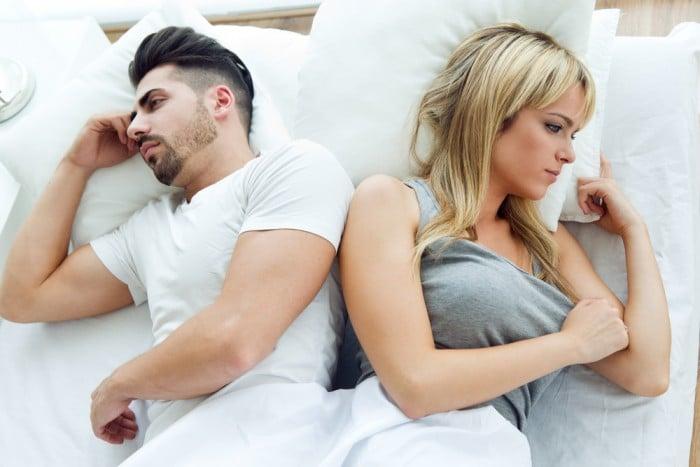 Девушка с парнем в постеле
