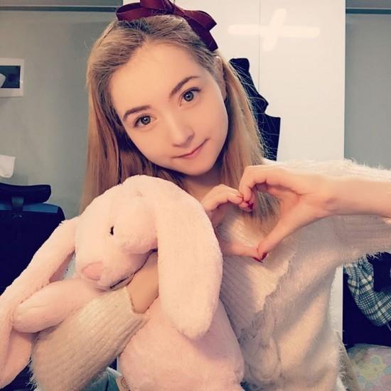 Влоггер YouTube кукла Венус Палермо
