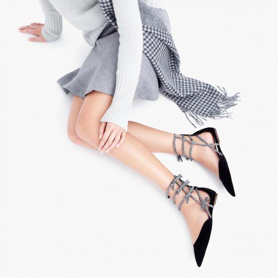 Балетки черные на женских ножках