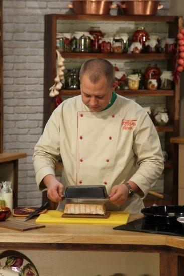 Дромов готовит террин из курицы