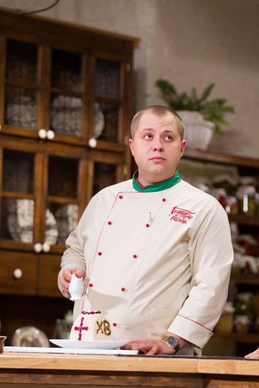 Дромов готовит паску