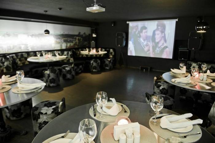 Кинотеатр в арт-ресторане Шляпа
