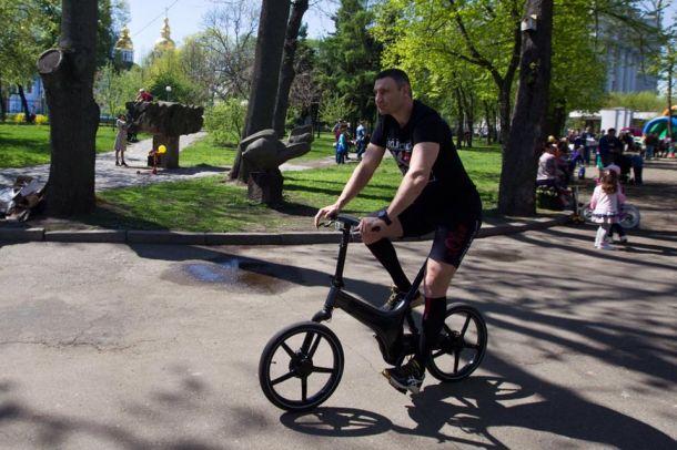 Виталий Кличко в благотворительном забеге Киевского международного полумарафона