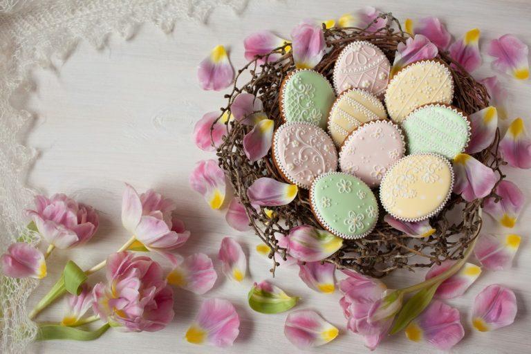 Где в Киеве купить дизайнерскую пасхальную выпечку и сладости (фото)