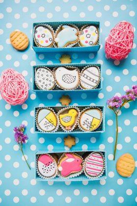 4 набора пасхального печенья: цыпленок и яйца и кролик и яйца