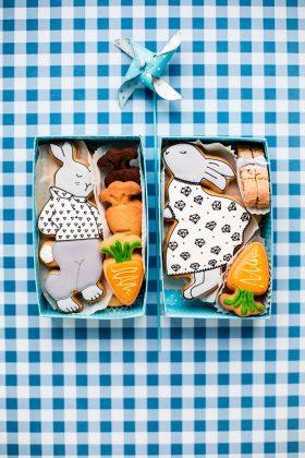 2 Набора пасхального печенья в коробке кролик и морковка