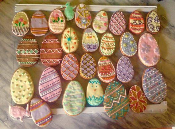 Печенье разноцветные пасхальные яйца