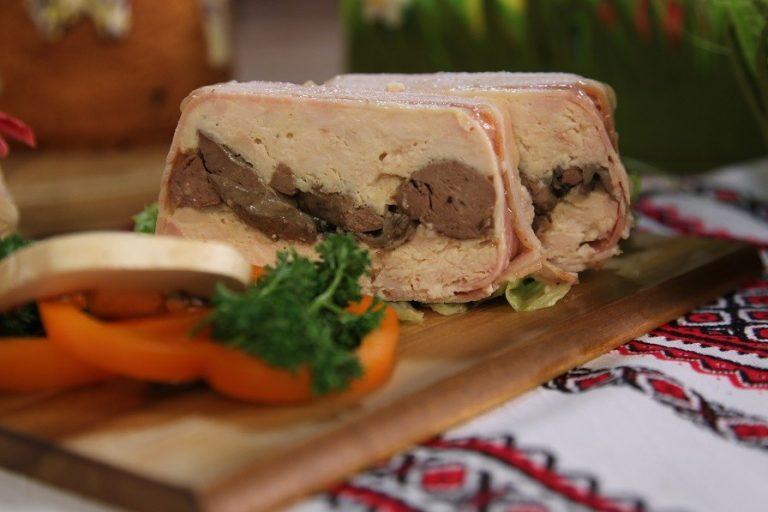 Пасхальный рецепт: террин из курицы с печенью и грибами