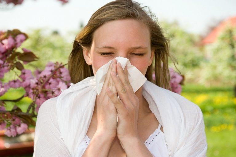 Весенняя аллергия: как быстро снять неприятные симптомы