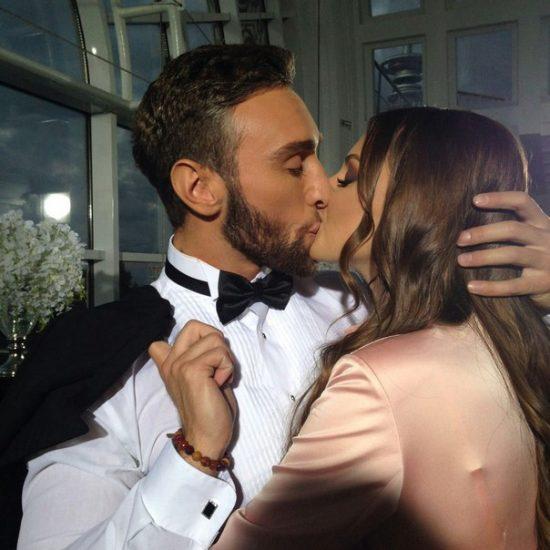 Иракли Макацария и Алена Лесык целуются