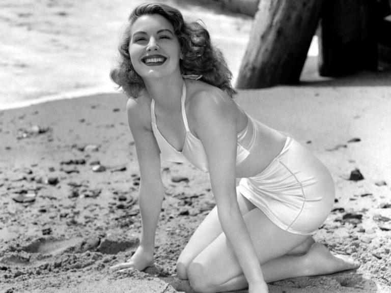 Оденься, как звезда: женственные образы знаменитых актрис XX века