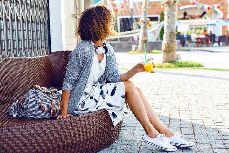 Street style: с чем носят модные рюкзаки