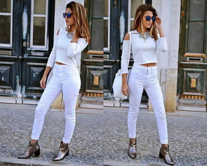 Бевушка в белых джинсах и белой кофте