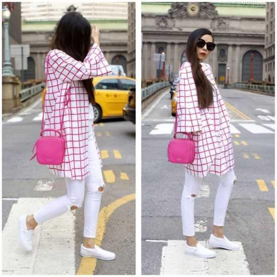Девушка в клетчатой рубашке и белых слипонах