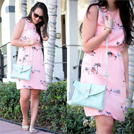 Девушка в розовом платье с сумочкой