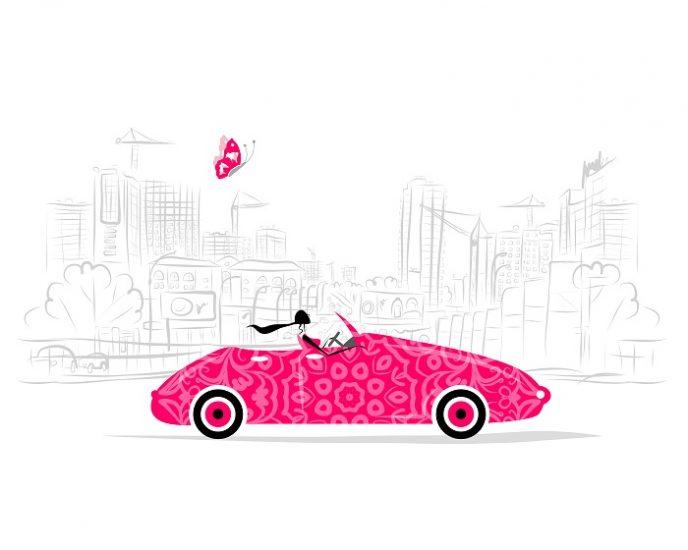 Девушка за рулем розовой машины