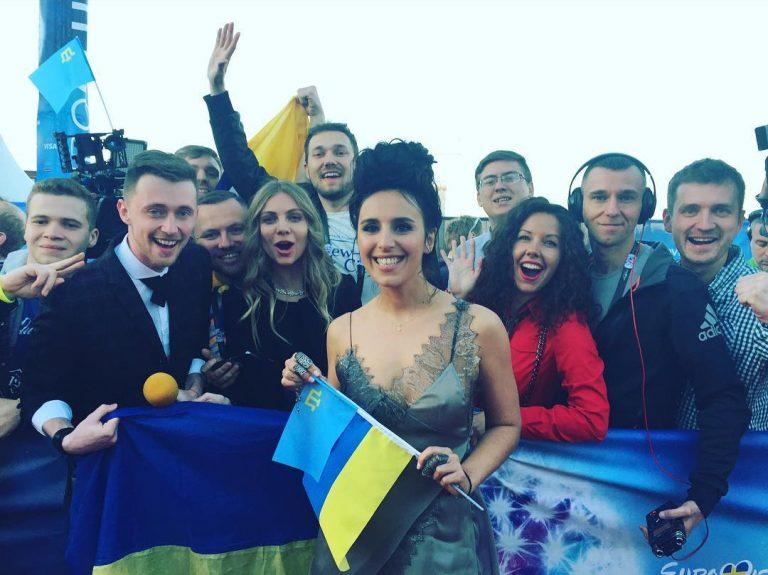 Джамала удивляет Швецию нарядами от украинских дизайнеров