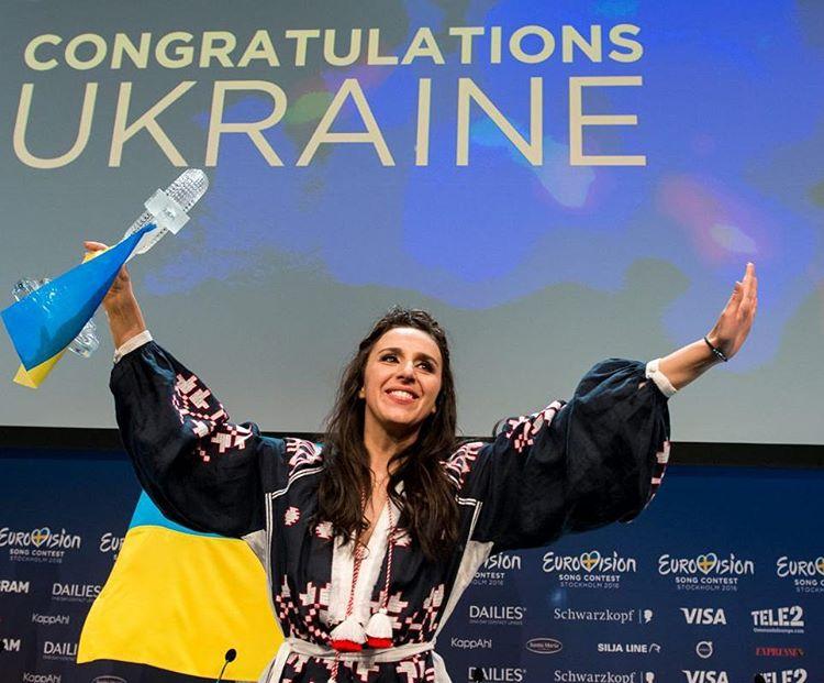 Как украинские знаменитости поздравляли Джамалу с победой на Евровидении 2016