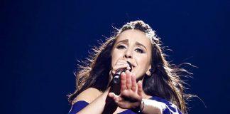 Джамала в синем платье с открытыми плечами на Евровидении 2016