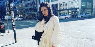 Джамала в Стокгольме в белом платье- в вышиванке