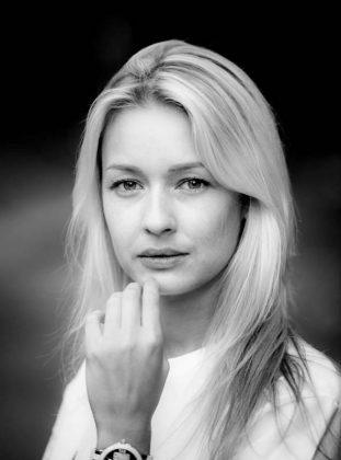 Актриса Евгения Лоза