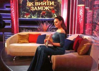 Роза Аль-Намри в длинном платье