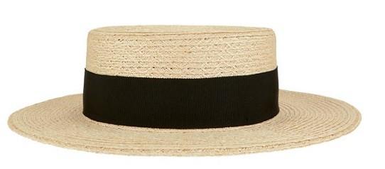 Соломенная шляпка с черной ленточкой