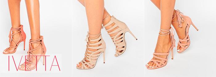 Светлые босоножки на женских ножках со шнуровкой