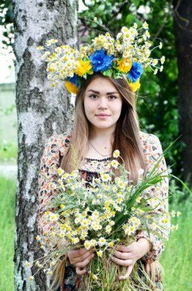Суперфиналистка «Голос Країни - 6» Виталина Мусиенко с цветами