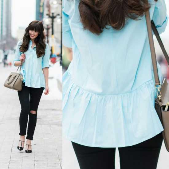 девушка в черных брюках и голубой кофте