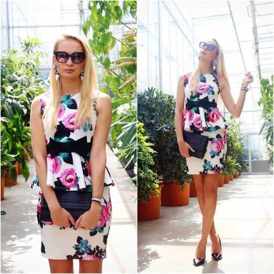 девушка в цветочном коротком платье с баской и в очках