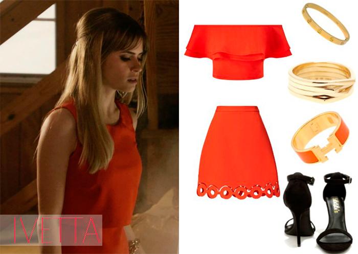 Красный топ и юбка,бижутерия и черные босоножки