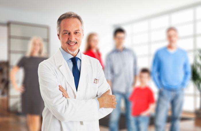 Доктор консультирует семью