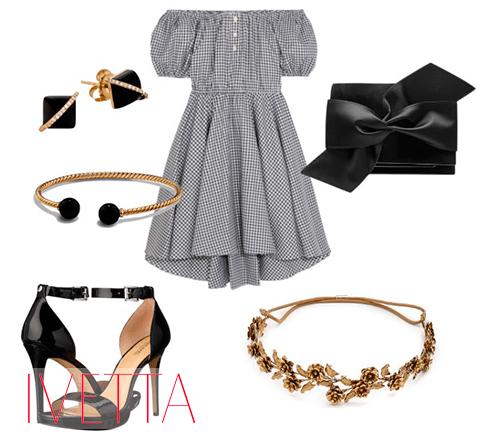 Серое платье в клетку, босоножки, бижутерия и черная сумка