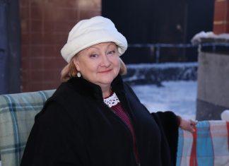 """Актриса """"Коли ми вдома"""" Татьяна Шелига в белой шапочке"""