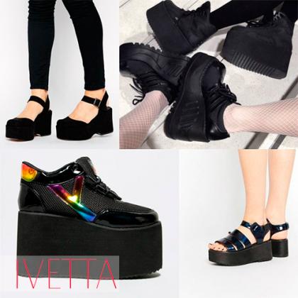 Черные босоножки на танкетке на женских ножках