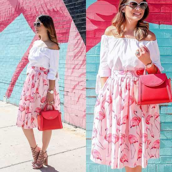 девушка в юбке с фламинго