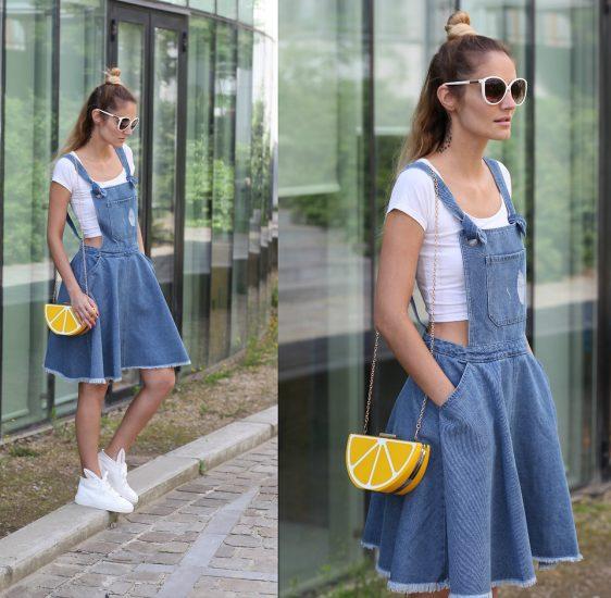 Девушка в джинсовомсарафане и с клатчем-лимоном
