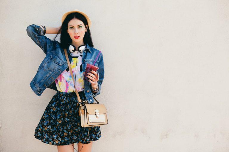 Street style: как модницы носят верхнюю одежду летом