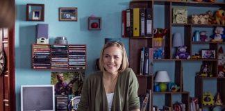 Героиня скетчкома «Коли ми вдома» Екатерина Колесник в зеленой кофте