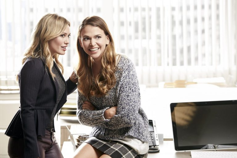 Топ-5 лучших женских сериалов: карьера и любовь