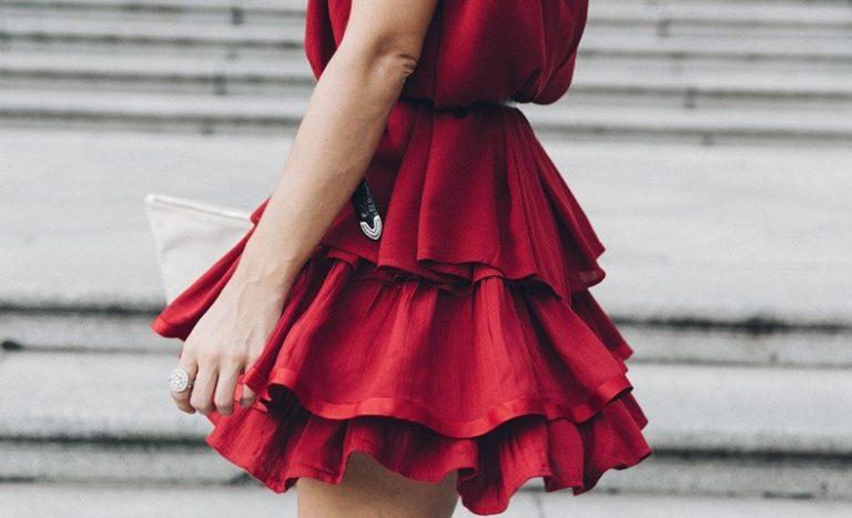 Street style: романтичные платья с оборками