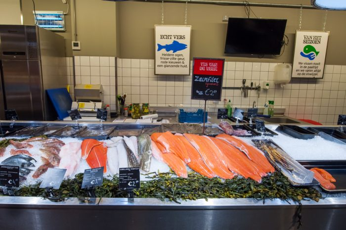 Прилавок с рыбой в Амстердаме