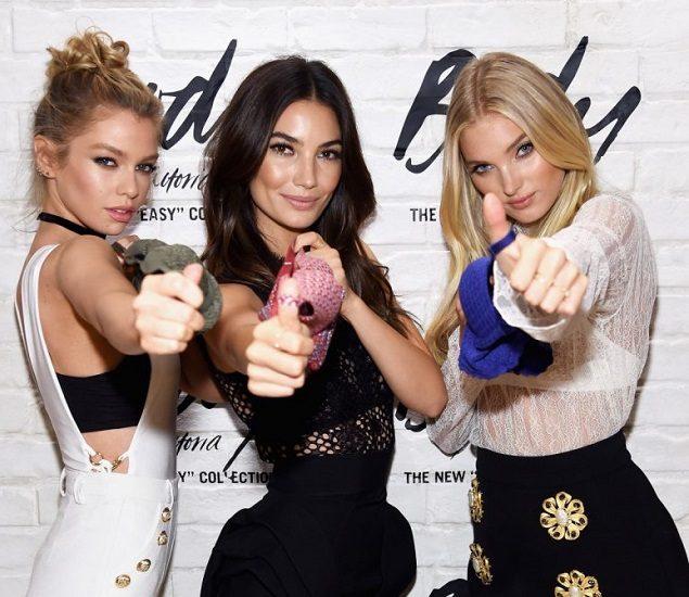 Ангелы Victoria`s Secret Стелла Максвелл, Лили Олдридж и Эльза Хоск с бельем в руках