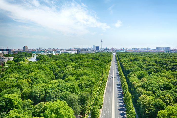 Бульвар в Берлине Unter den Linden